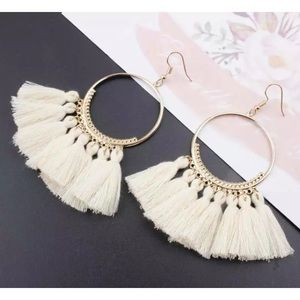 Jewelry - Off- White/Ivory fringe statement earrings